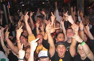 crowd_salute.jpg